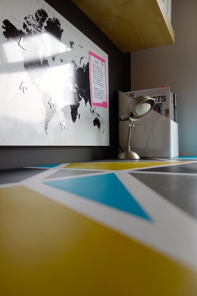 Geometric Desk Top
