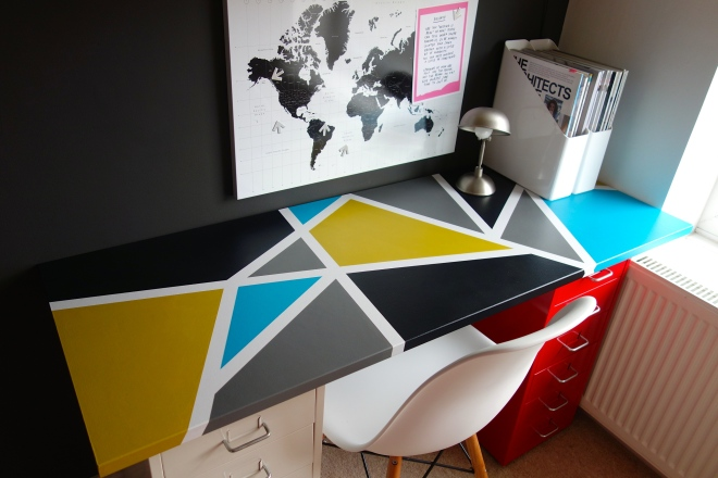 Geometric Desk Top