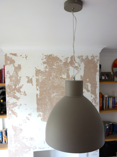Stone contrast pendant light