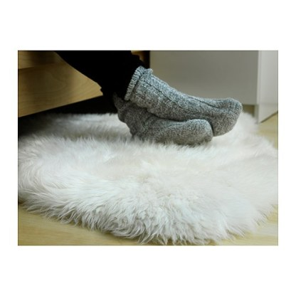 What made the cut making spaces - Tapis imitation peau de mouton ...