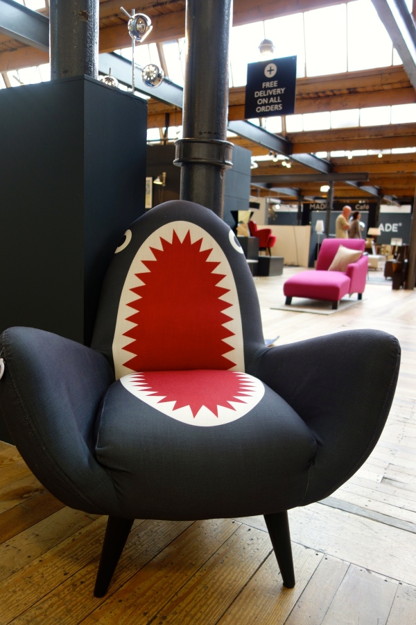 MADE RODNICK SHARK FIN CHAIR