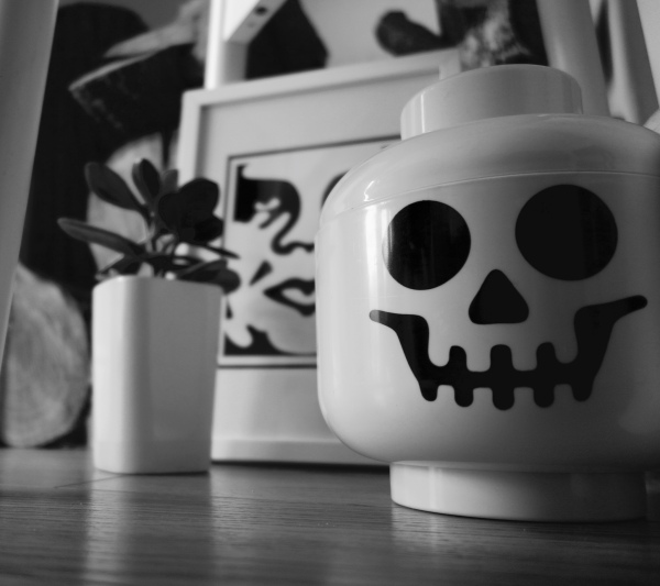 lego skull head
