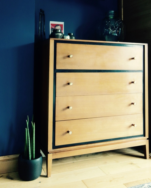 Loughborough chest of drawers