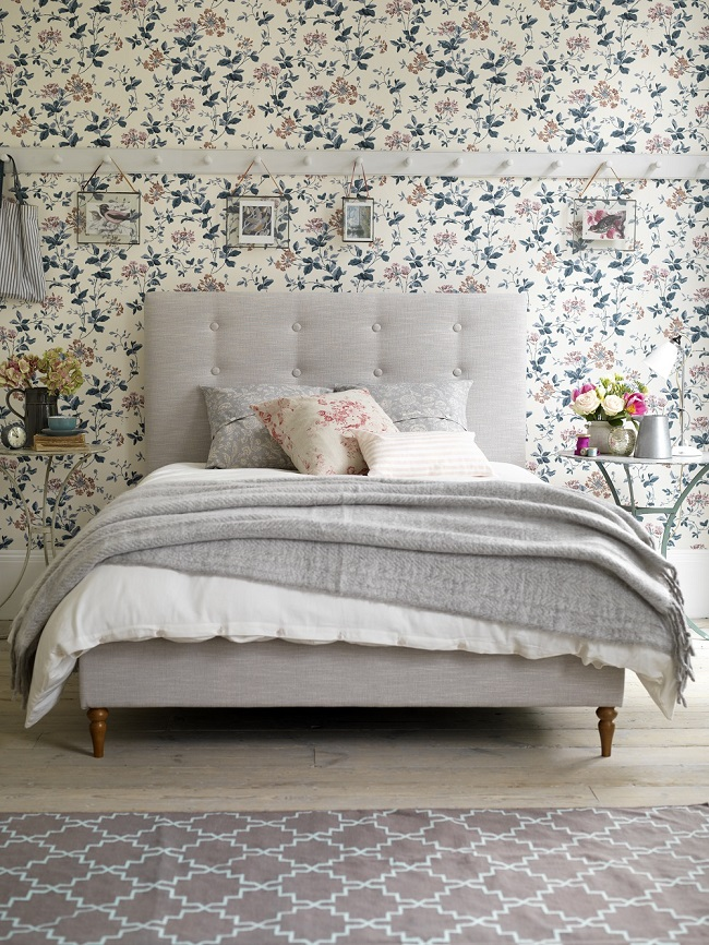 button-and-sprung-peony-bed