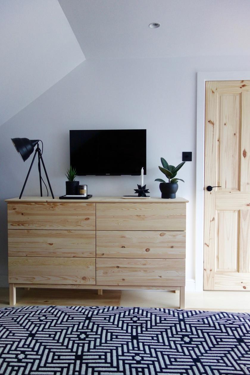 the loft bedroom final reveal making spaces. Black Bedroom Furniture Sets. Home Design Ideas